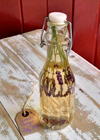 Homemade_lavender_vinegar