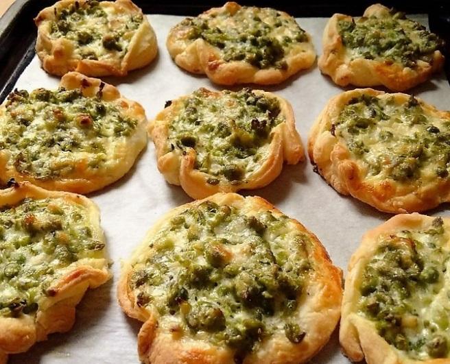 Gluten-free_pesto_pea_pastries
