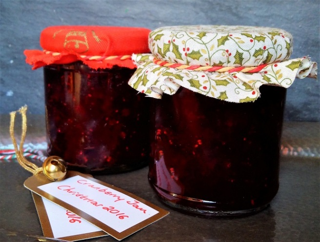 Jars_of_homemade_cranberry_jam