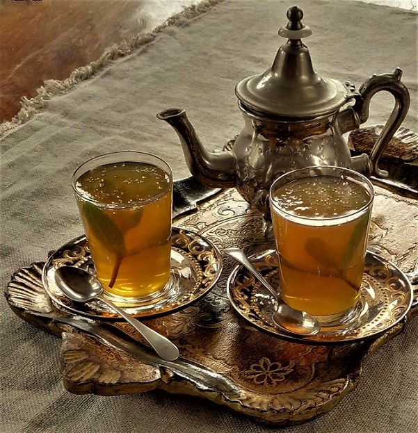 Moroccan_mint_tea_jellies_made_in_tea_glasses