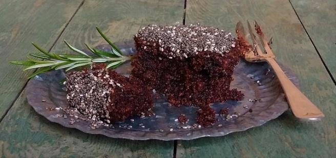 Gluten-free_vegan_baking:_chocolate_and_rosemary_muffin
