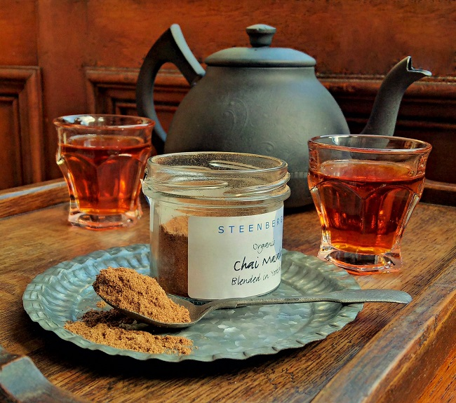 Jar_of_ready_mixed_chai_masala