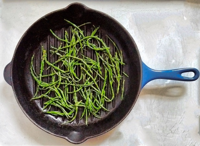 Samphire_cooked_in_a_griddle_pan