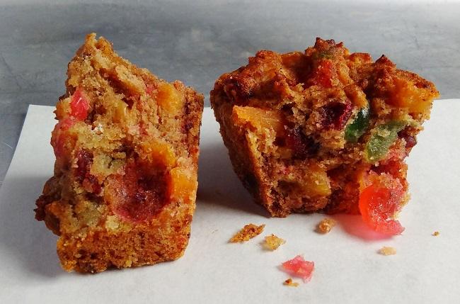 Inside_a_tutti_frutti_loaf_cake