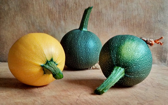 Yellow_and_green_round_courgettes