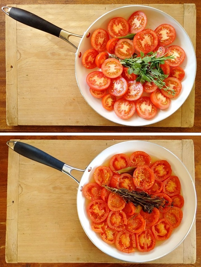Before_and_after_cooking_tomatoes_for_sauce