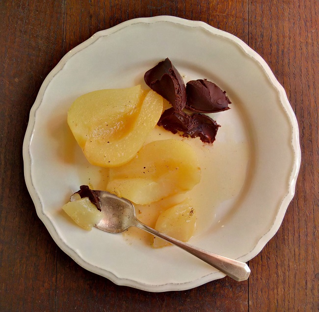 "Single_serving_of_vanilla_baked_pears_with_chocolate_""butter"""