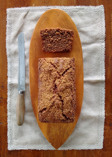 Overhead_sliced_coffee_and_pecan_loaf_cake