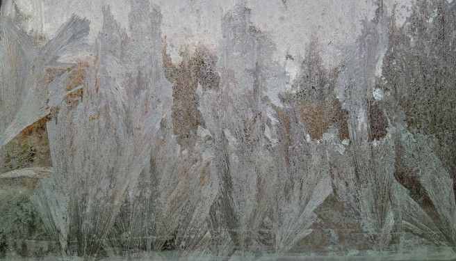 Ice_on_the_inside_of_the_window