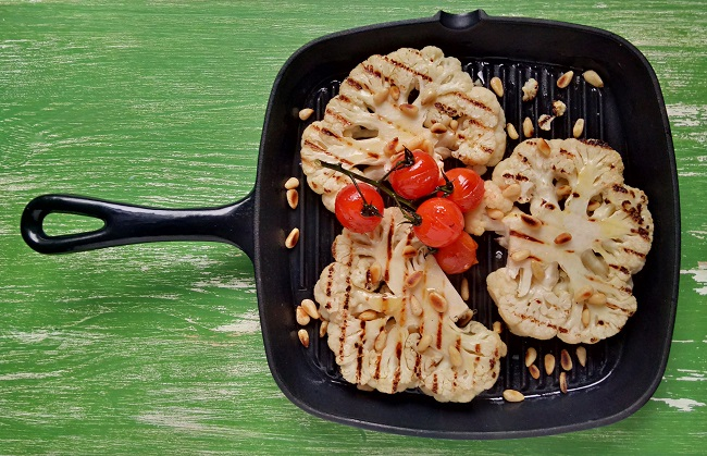 Griddled_cauliflower_steaks_with_Italian_flavours