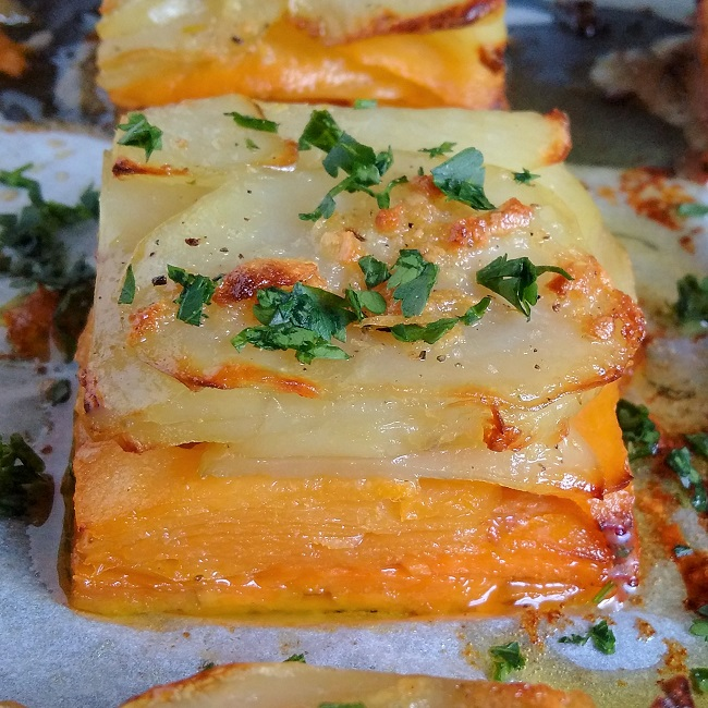 Close-up_on_a_root_vegetable_square