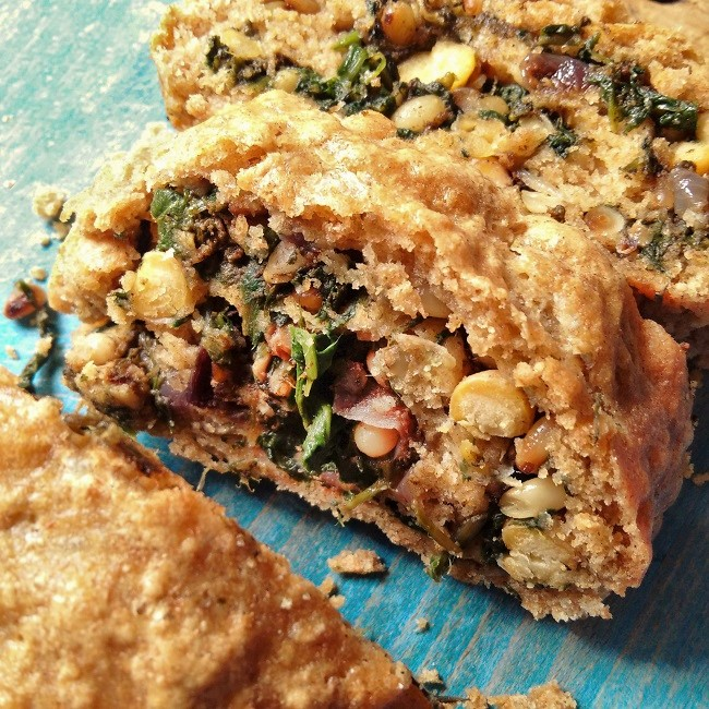 Slice_of_spiced_chickpea_spinach_and_sorrel_roll