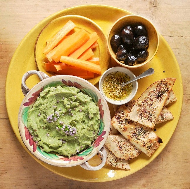 Platter_of_Moroccan_inspired_dips_and_salads