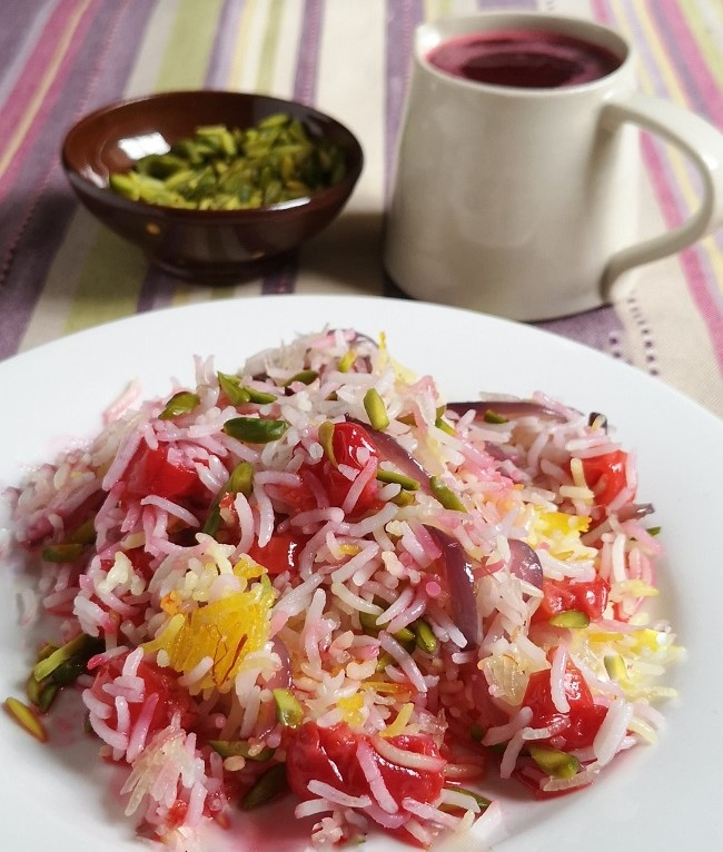Plated_portion_of_Persian-style_sour_cherry_rice