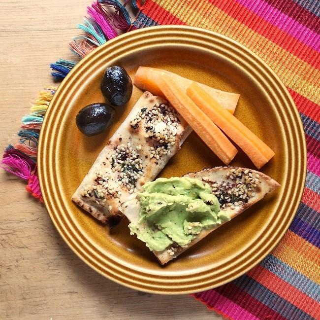 Za'tar_seasoned_flat_breads_with_broad_bean_dip