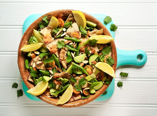 Runner_bean_fattoush-style_salad