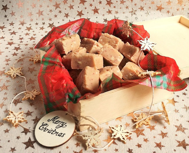 Gift-box_of_salt_and_caramel_nut_butter_fudge
