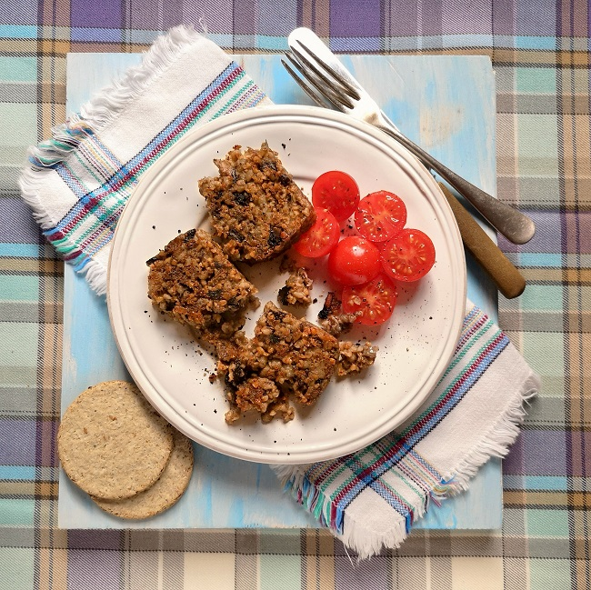 Chunky_fried_vegan_haggis_slices