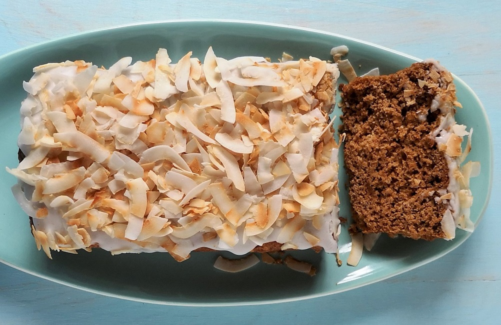 Overhead_banana_and_coconut_bread_with_one_slice_off