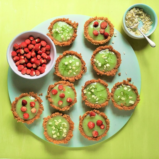 Platte_of_mini_lime_pies