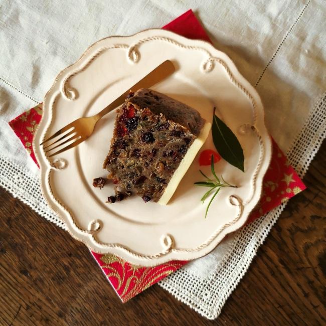 Home-made_vegan_gluten-free_Christmas_cake_slice