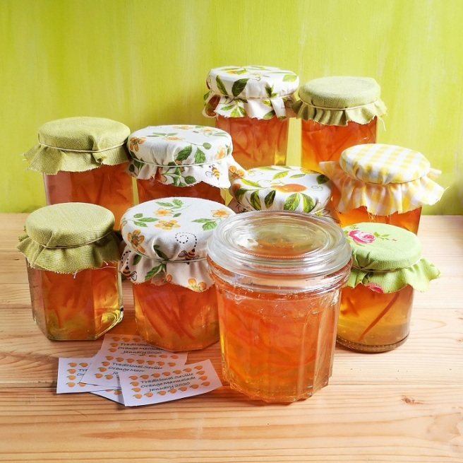Jars_of_freshly_made_Seville_orange_marmalade