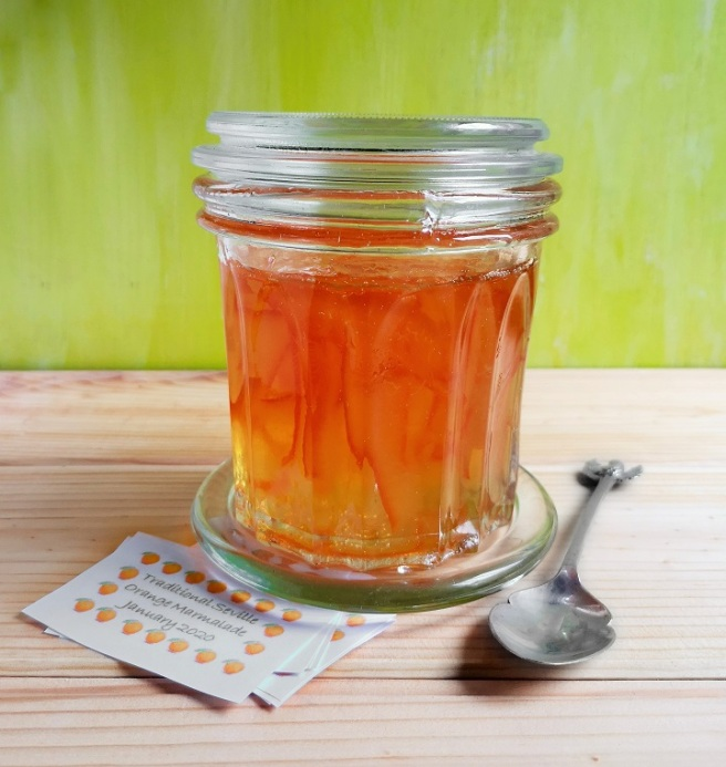 Large_confiture_jar_of_homemade_Seville_orange_marmalade