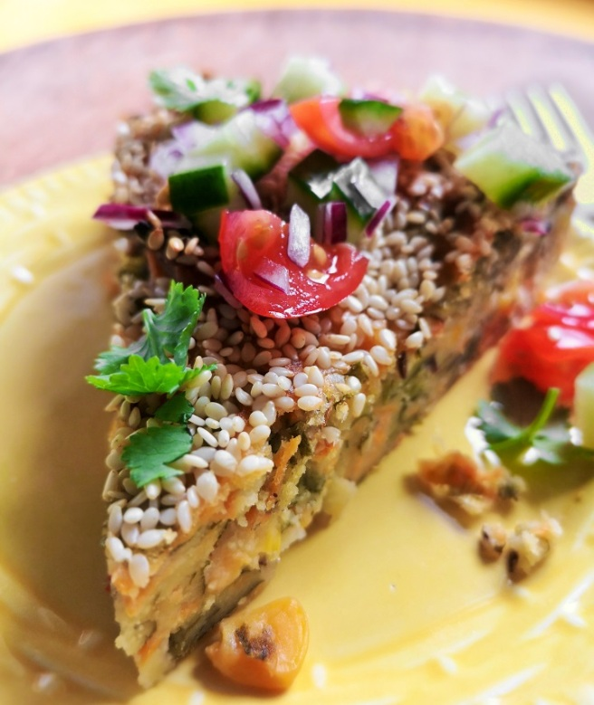 Gujerati-style_spiced_vegetable_cake_serving_slice