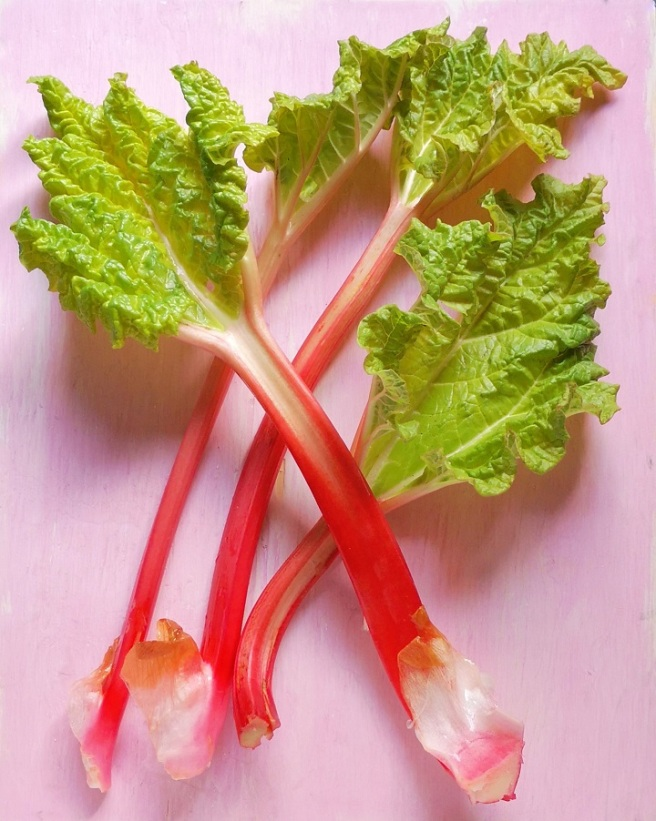 Short_stems_of_home-grown_forced_rhubarb