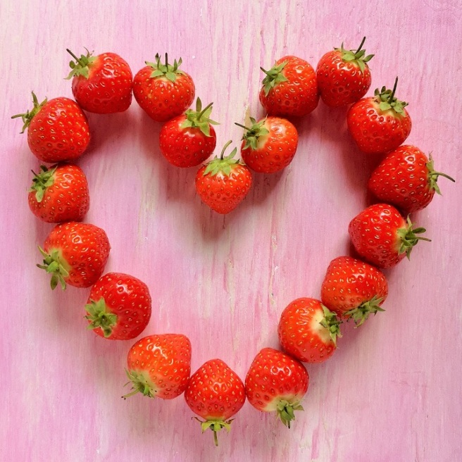 A_heart_shape_of_Scottish_strawberries