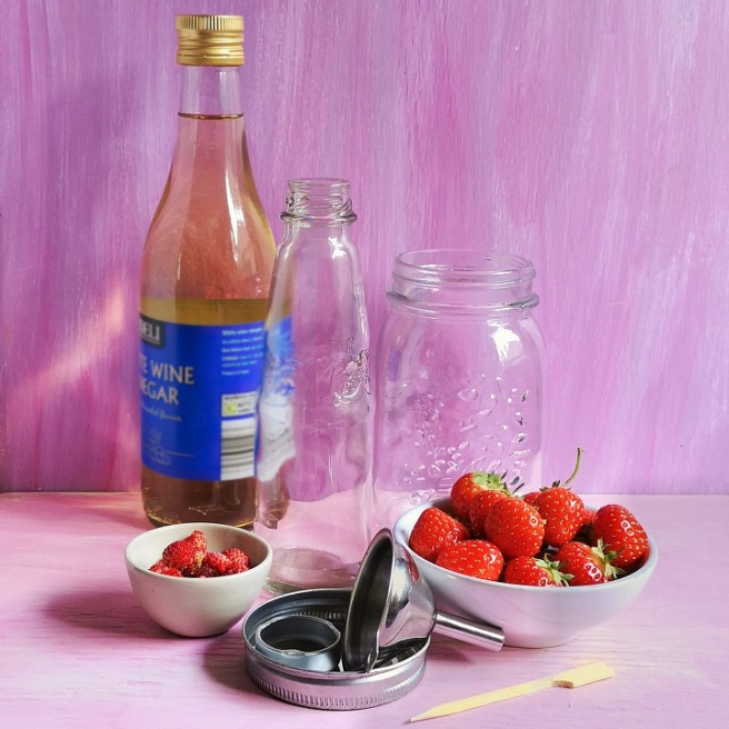 Collection_of_ingredients_and_equipment_for_making_strawberrry_vinegar