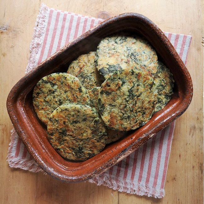Overhead_ image_of_rustic_dish_filled_iwth_spinach_tattie_scones