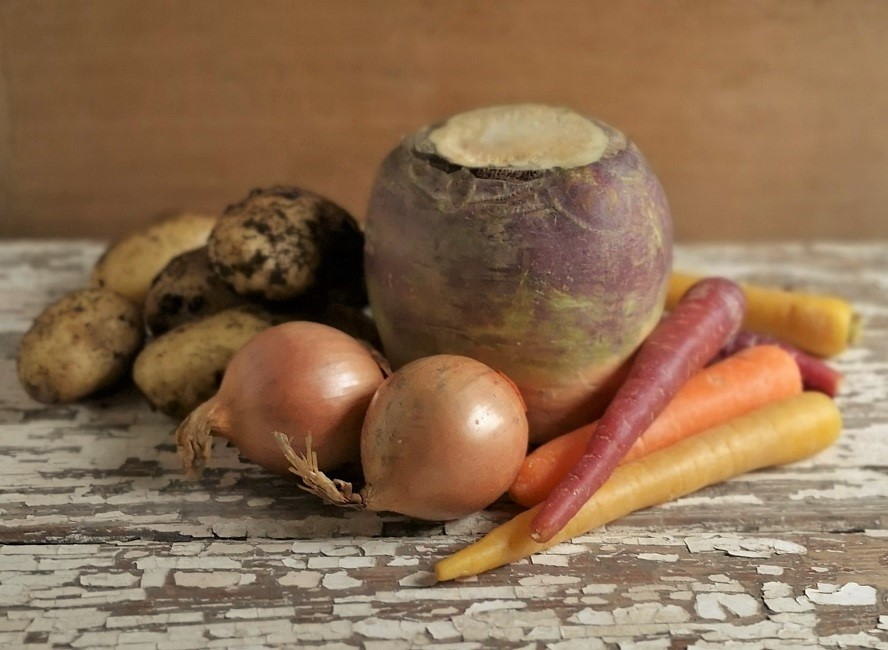 Still-life_of_root_vegetables_for_making_Stovies