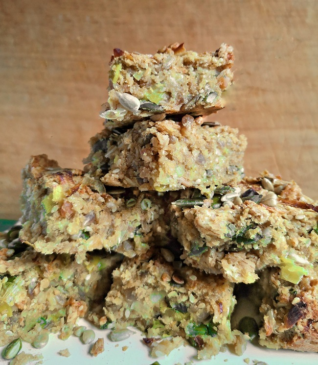 A_pile_of_oat_and_seed_squares