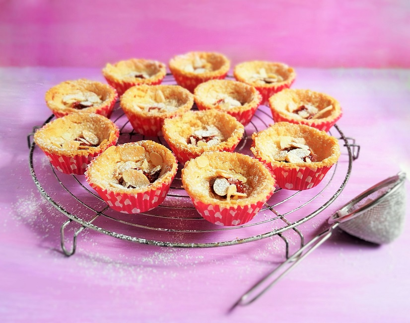 Raspberry_and_almond_shorties_on_a_wire_rack