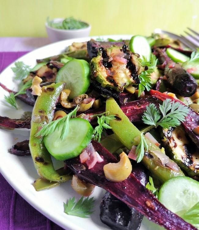 Seasonal_homegrown_vegetable_salad_close-up
