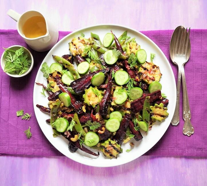 Endy_of_July_homegrown_vegetables_served_in_a_salad